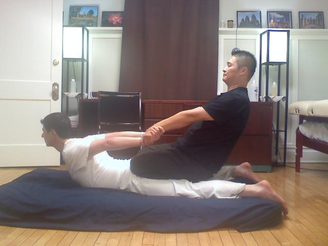 Thai_massage_kneeling_cobra.jpg